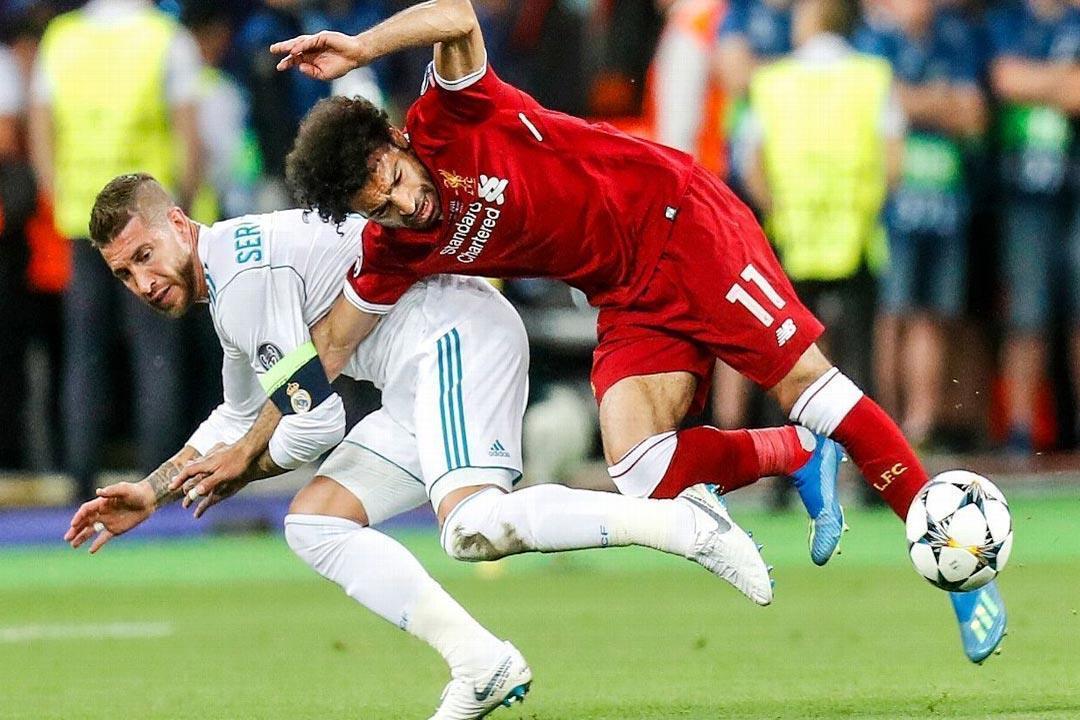 ما السبب النفسي لارتباط المصريين بكرة القدم ومحمد صلاح؟
