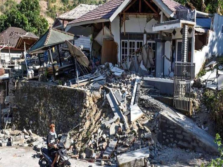 ارتفاع حصيلة قتلى زلزال إندونيسيا إلى 321 شخصا