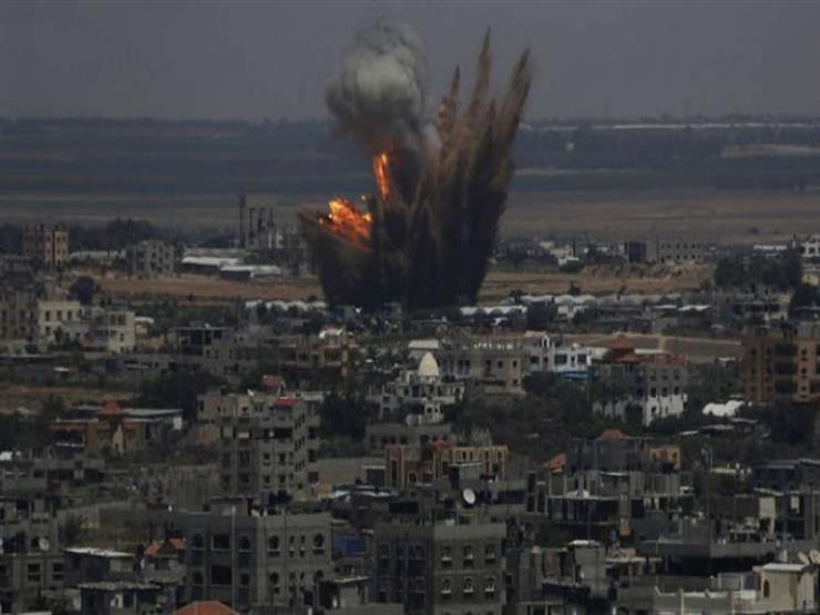 إصابتان في قصف إسرائيلي لعمارة تجارية بمدينة غزة