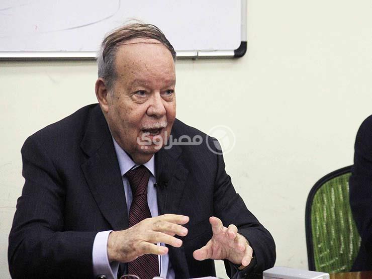 فتحي سرور يعلن تأييده لعرض التشريعات على مجلس الدولة أولا