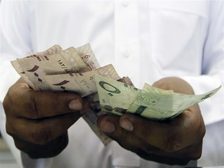 تحركات طفيفة في أسعار الريال السعودي أمام الجنيه في 3 بنوك