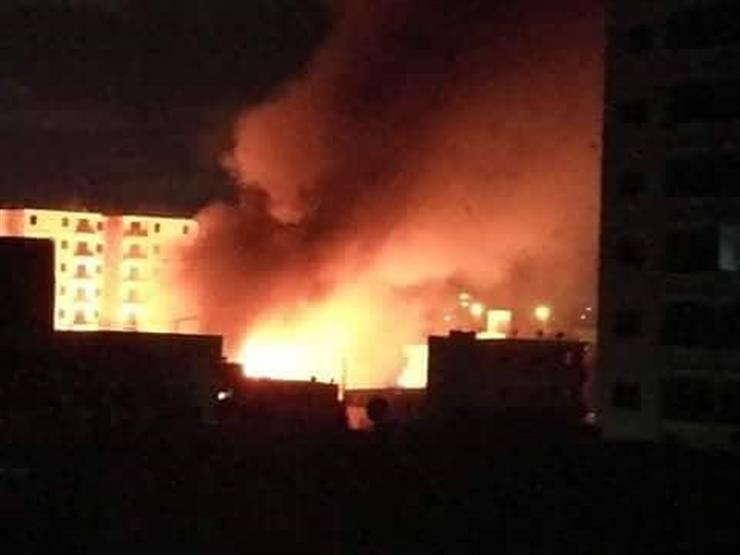 بالصور.. حريق هائل في عقارين بالإسكندرية بسبب كابل كهرباء
