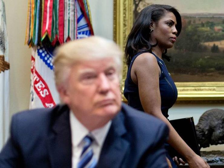 بعد أزمة تسريبات مستشارة البيت الأبيض.. كيف ينقلب مؤيدو ترامب عليه؟