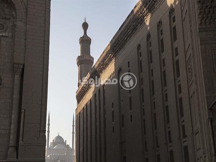 5 وزراء ومحافظ القاهرة يؤدون صلاة الجمعة بمسجد السلطان حسن