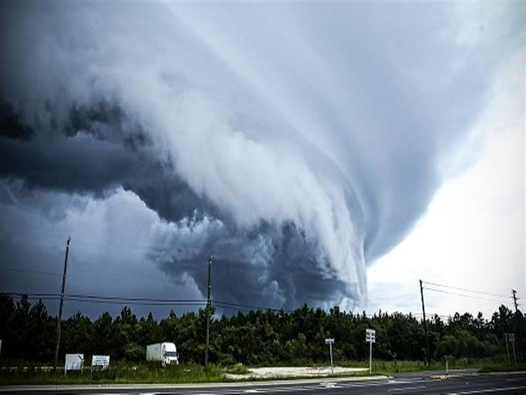 الإعصار لين يقترب من هاواي الأمريكية