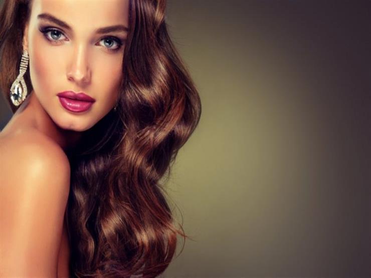تعرفي على فوائد زيت الخروع لجمال شعرك