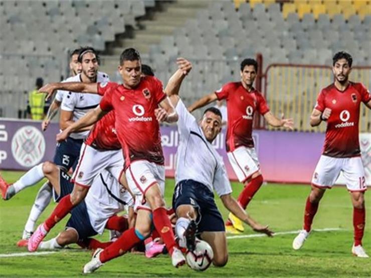 """تعرف على تردد القناة """"المجانية"""" الناقلة ومعلق مباراة الأهلي والنجمة اللبناني"""