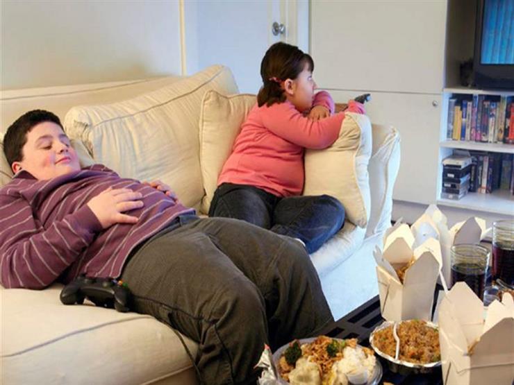 بعد إجازة الصيف.. 8 نصائح للأمهات لإنقاص وزن أولادهن المراهقين