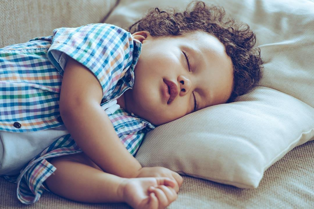 هل يرى طفلك كوابيس ليلاً؟.. هكذا تتعامل معه