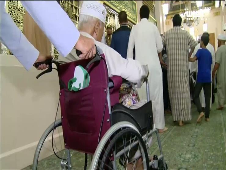 تسهيلات لضيوف الرحمن ذوي الاحتياجات الخاصة للصلاة في الروضة الشريفة (فيديو)