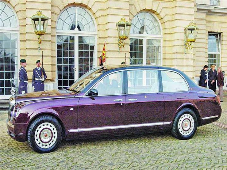 """""""جوهرة نادرة"""".. عرض سيارة الملكة إليزابيث للبيع في مزاد علني"""