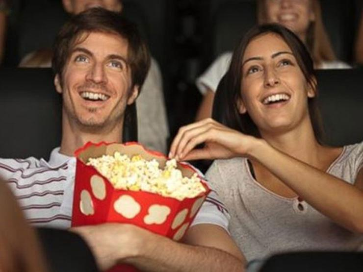 مع الاستمتاع بمشاهدة فيلم السينما عليك معرفة السعرات الحرارية في المُسليات
