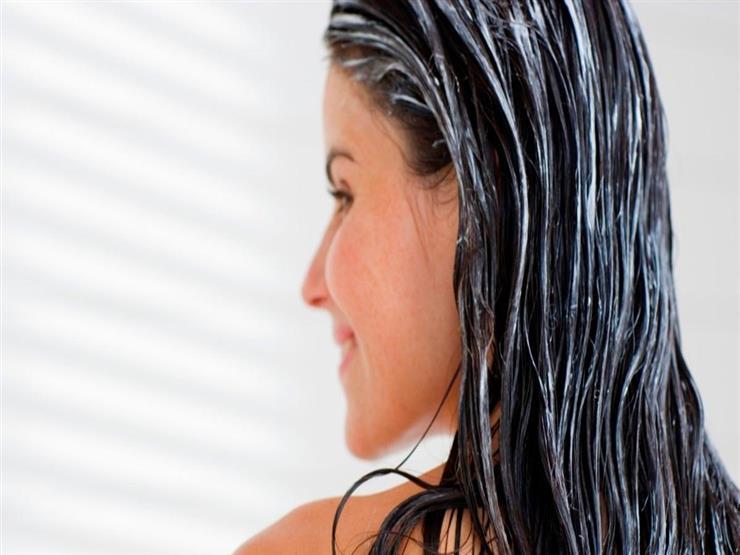 6 وصفات طبيعية تجعل شعركِ ناعمًا صيفًا