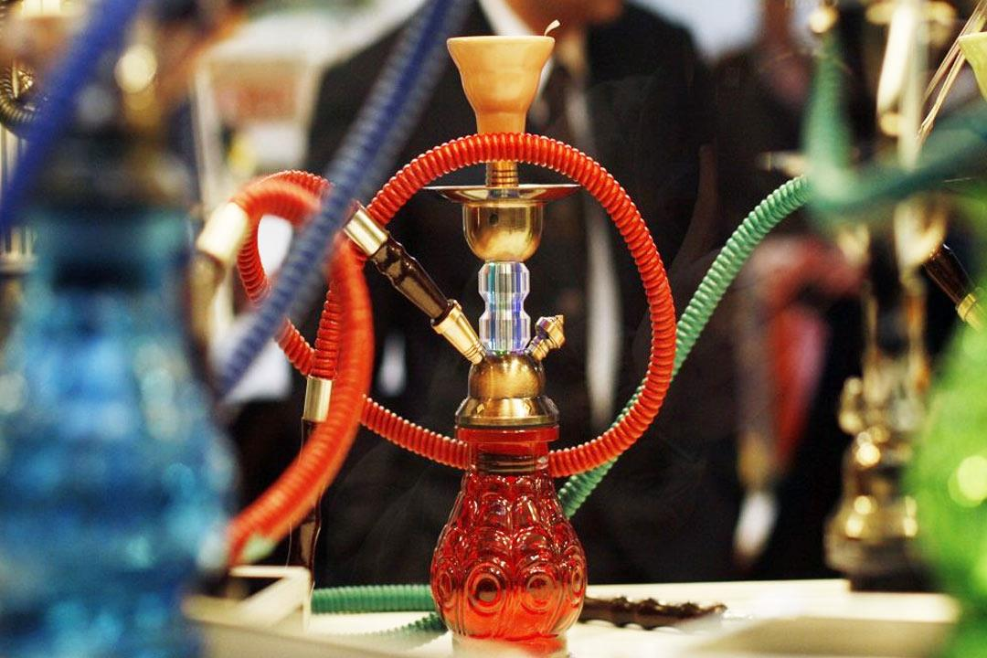 ماذا حدث لشبان أصحاء بعد نصف ساعة من تدخين الشيشة؟