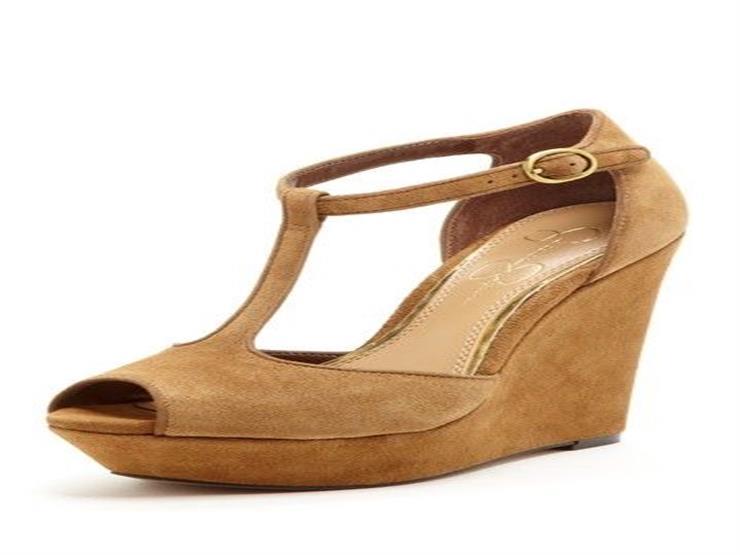 نصائح لتنظيف الأحذية والحقائب الشمواه