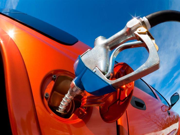 لماذا يحذر خبراء السيارات من ملء خزان الوقود بالكامل في الأيام الحارة؟