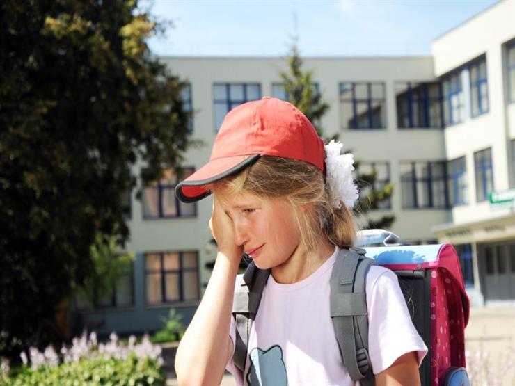 نصائح تربوية لعلاج مشكلة رفض طفلك الذهاب للمدرسة