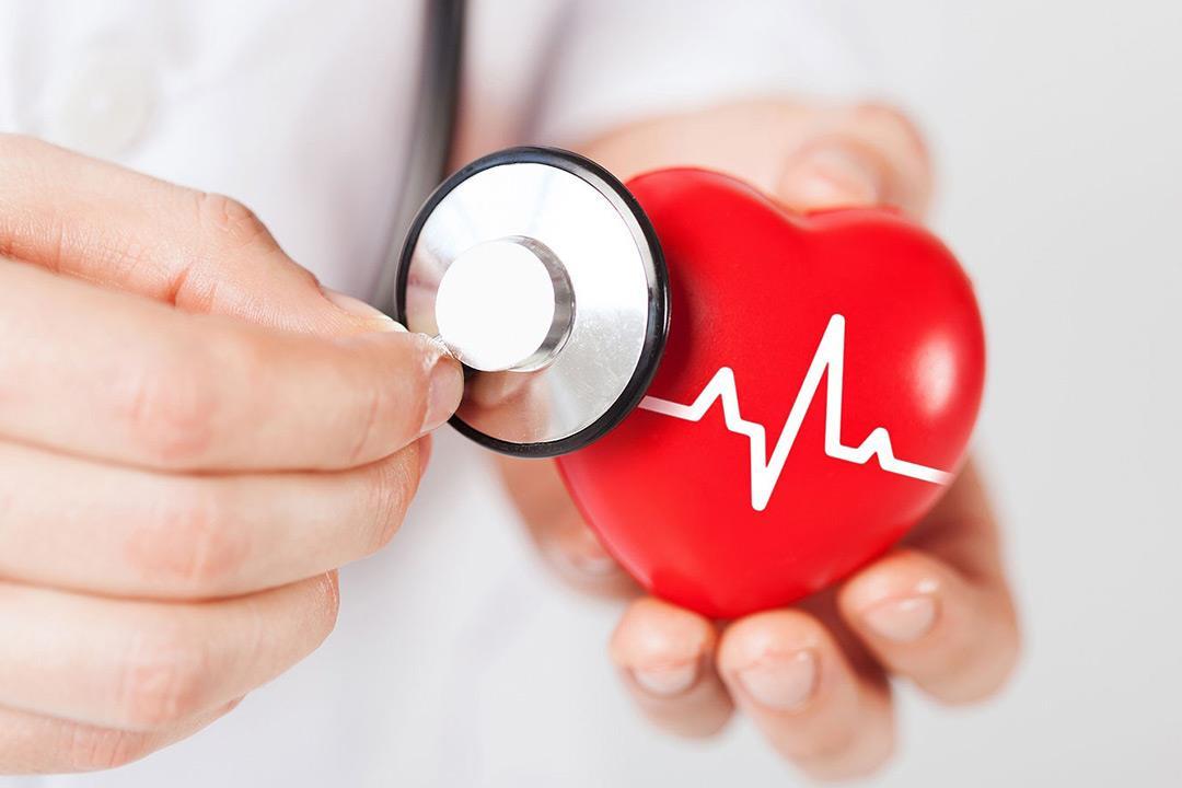 دراسة تكشف عن 24 مكملا غذائيا يضر بصحة القلب