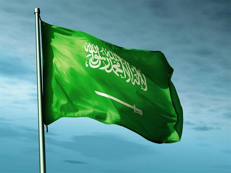 """حول العالم في 24 ساعة: موظفة """"تتعرّى"""" أمام الكاميرات في السعودية"""