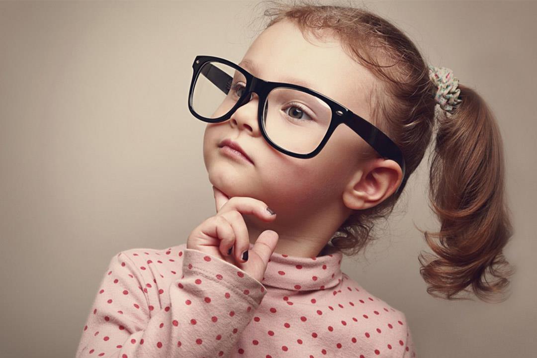كيف تكتشفي إصابة طفلك مصاب بعمى الألوان؟