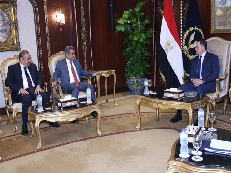 وزير الداخلية يلتقي أمين عام مجلس وزراء الداخلية العرب (صور)
