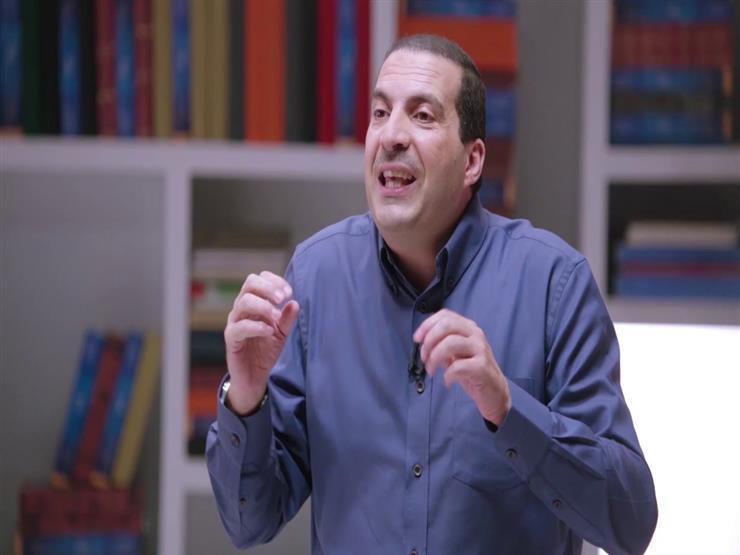 """بالفيديو.. عمرو خالد يروى قصة مبكية لـ"""" سوري"""" في المسجد النبوي"""