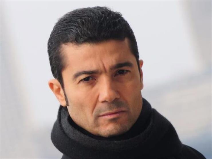 وفاة والدة الفنان خالد النبوي