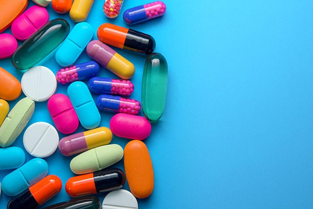 المضادات الحيوية تسبب تلك المشكلات بالفم