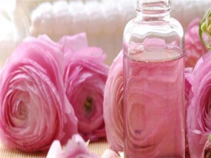 تعرفي على فوائد ماء الورد للبشرة والجلد