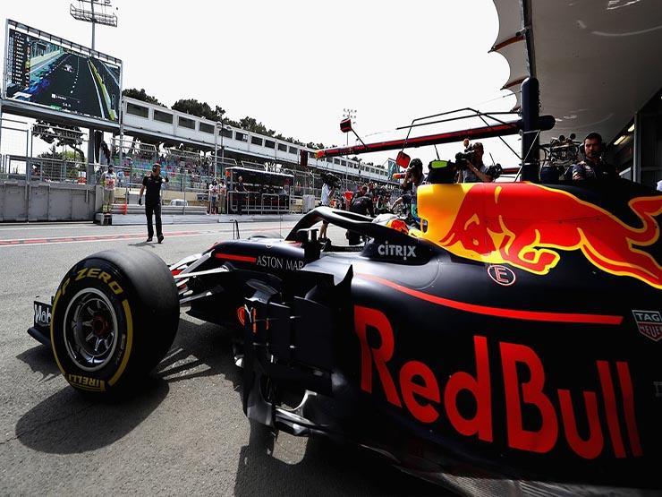 """""""ريد بول"""" يتصدر التجربة الأولى لسباق فورمولا-1 السنغافوري"""