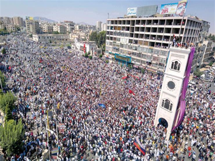 """""""لا بديل عن إسقاط النظام"""".. مئات الآلاف يطالبون برحيل الأسد"""