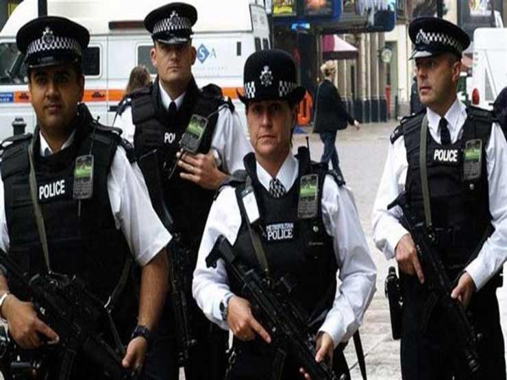الشرطة البريطانية تفرج عن شخصين بعد الاشتباه بإنهما إرهابيان في مطار ستانستد