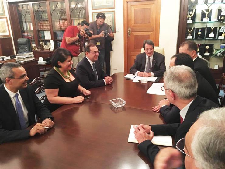 الرئيس القبرصي يستقبل طارق الملا وزير البترول