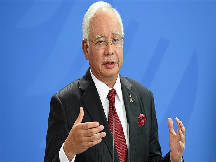رئيس وزراء ماليزيا السابق يصل إلى المحكمة في أول محاكمة له بتهمة الفساد