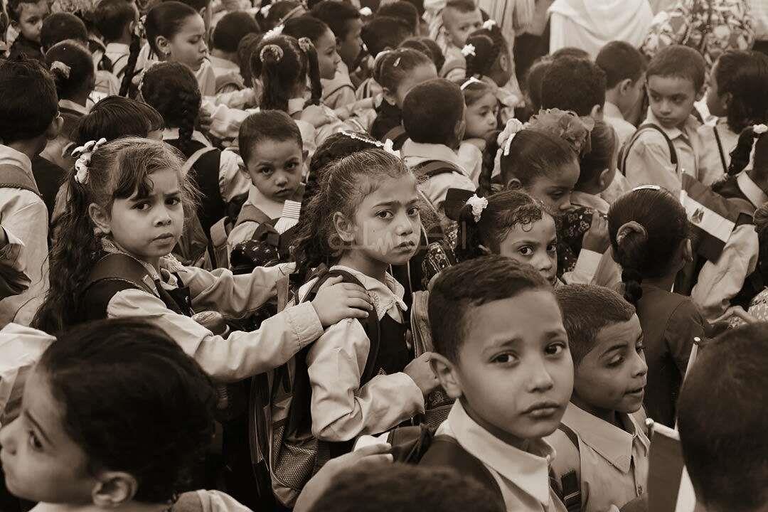كابوس المدارس يطارد الأطفال.. حقيبة الاضطرابات النفسية ممتلئة