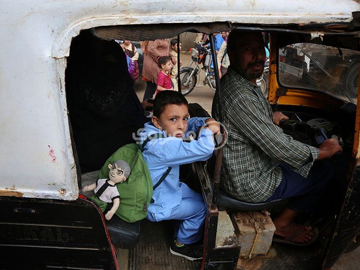 """كيف تتفادى """"زحمة"""" المدارس.. حيل المصريين مع أول يوم دراسي"""
