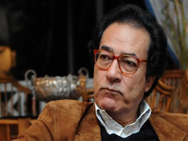 """فاروق حسني تعليقًا على حريق نوتردام: """"يوم حزين للإنسانية جمعاء"""""""