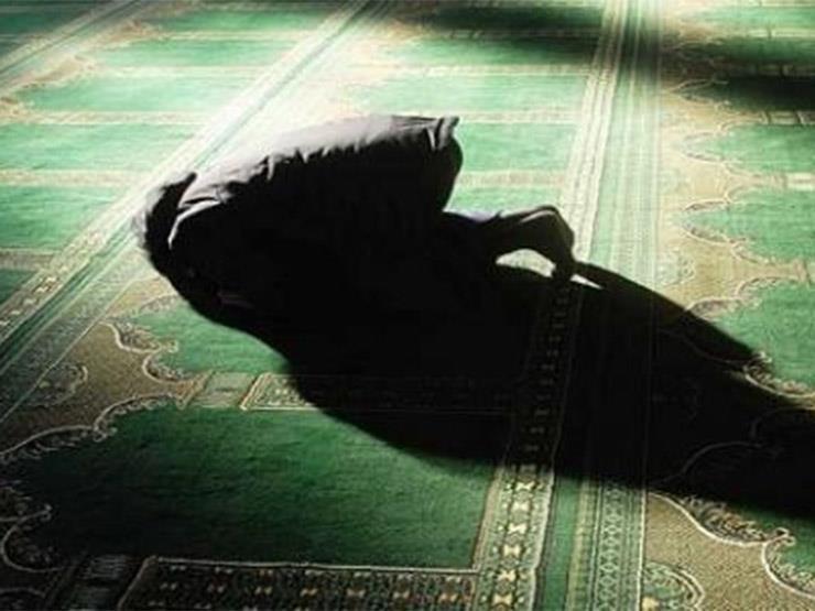 """حكم سجود الشكر وكيفيته.. """"البحوث الإسلامية"""" يوضح"""