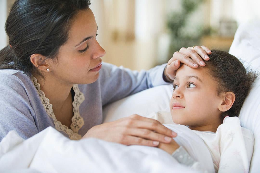 أطفال أكثر عُرضة لمضاعفات الإنفلونزا.. نصائح ضرورية