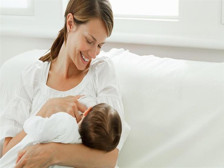 ما هى العلاقة بين الرضاعة الطبيعية وانخفاض توتر المولود؟
