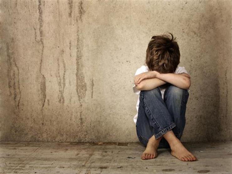 12 علامة تدل على تعرض طفلك للتحرش في المدرسة