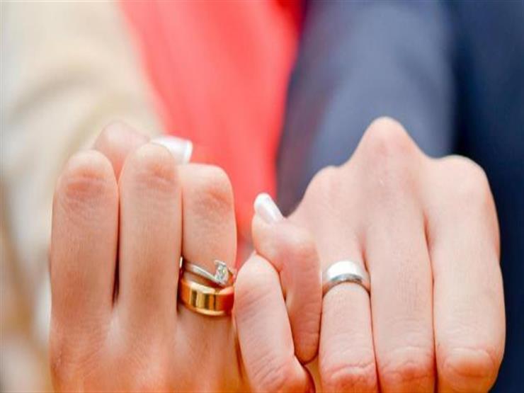 """""""وعاشروهن بالمعروف"""": نشر تفاصيل الحياة على """"فيسبوك"""" يدمر الزواج"""
