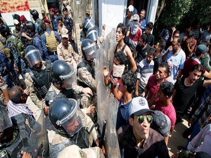 قائد أمني عراقي ينفي مهاجمة متظاهرين حقول النفط في البصرة