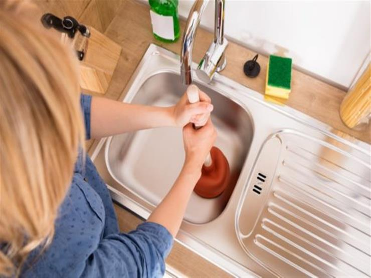 5 نصائح تساعدكِ على حل مشكلة انسداد حوض مطبخك