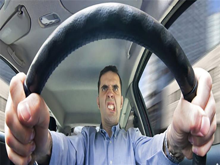 """6 نصائح مهمة تجعلك تقود السيارة دون تهور.. من بينها """"لاتفتح النوافذ"""""""