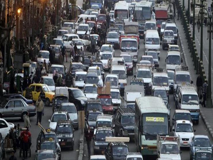 النشرة المرورية.. كثافات مرتفعة بمعظم محاور وميادين القاهرة والجيزة