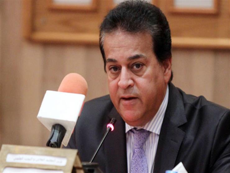 وزير التعليم العالي يطالب الجامعات بسرعة الانتهاء من استعدادات الاختبارات الإلكترونية