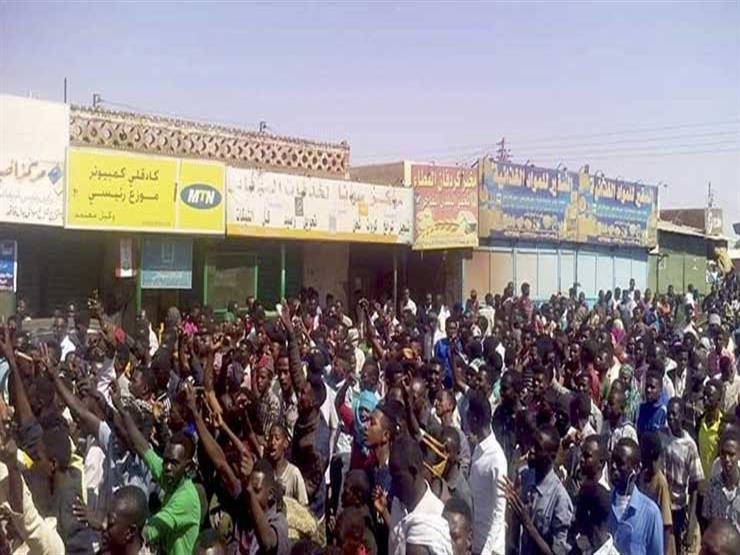 مظاهرات السودان: محتجون في الخرطوم يطالبون بإسقاط النظام