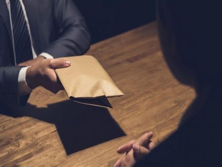 """""""الرقابة الإدارية"""" تضبط مسئولًا في مجلس مدينة طلخا متلبسًا بالرشوة"""