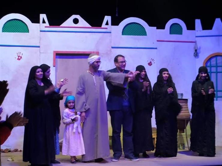 """""""الطوق والأسورة"""" تحصد جائزة مهرجان المسرح العربي"""